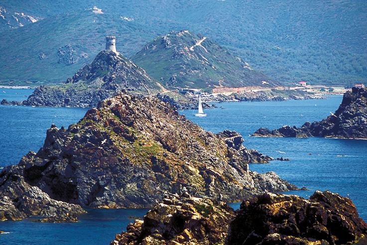 la plage de Morea à Ajaccio face aux îles Sanguinaires.