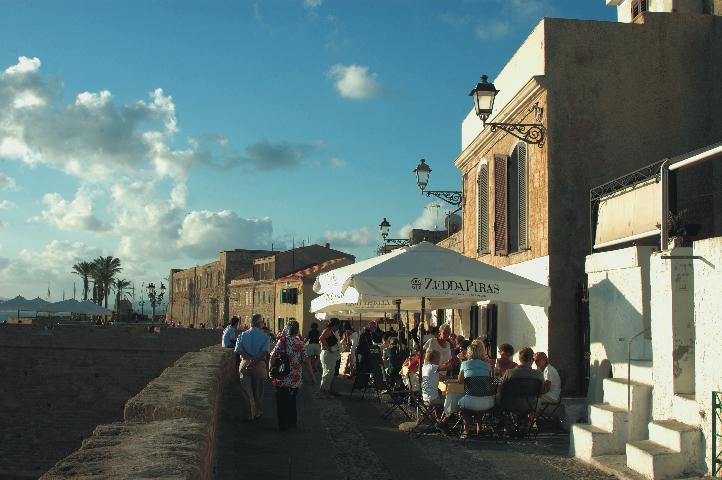 La fameuse Costa Esmeralda, au Nord est de la Sardaigne.
