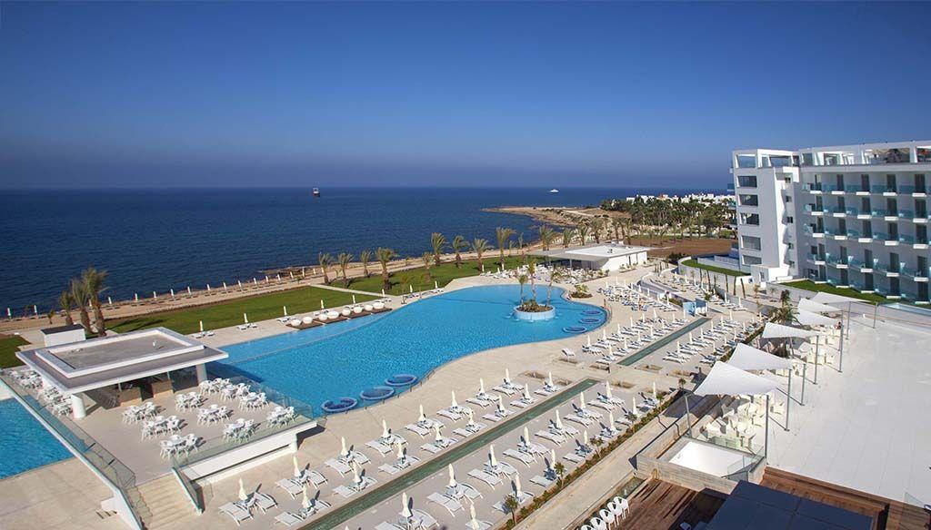 KING EVELTHON BEACH HOTEL & RESORT 5* - ARRIVÉE LARNACA