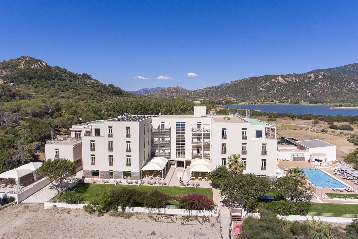Voyage s jour sardaigne tui sensimar torre salinas richou for Hotel design zelande