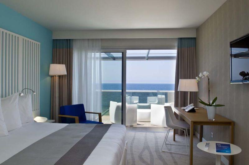 Chambre Radisson Blu Ajaccio avec vue sur mer.