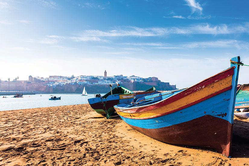 (Image) image Maroc Rabat bateaux le long de la plage  it